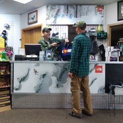 Ski & Snowboard Shops & Rentals in Frisco