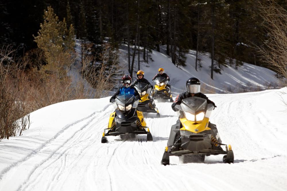 nova guides winter activities colorado mountain activities. Black Bedroom Furniture Sets. Home Design Ideas